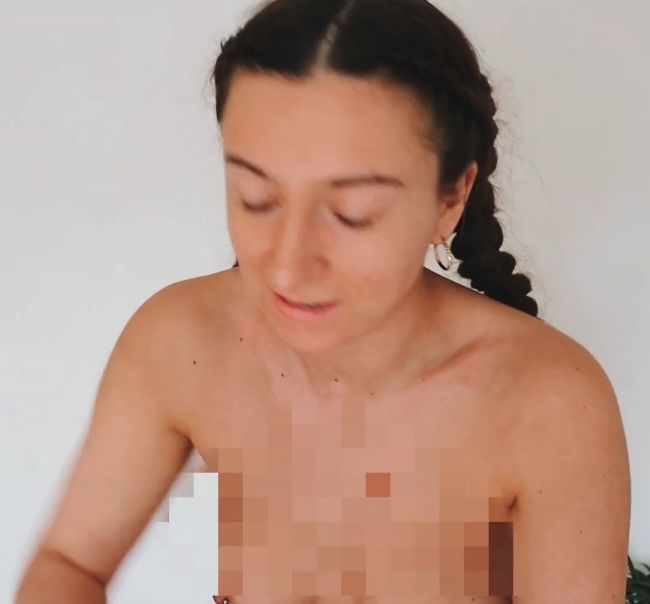 Harriet Mabel Nipple Slip